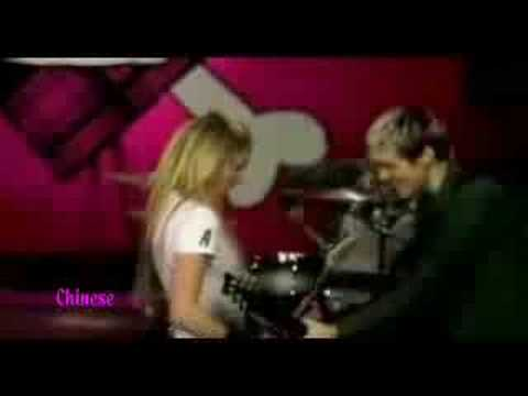 Avril Lavigne - Girlfriend in 8 different languages
