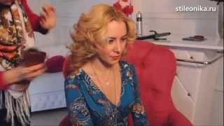 ВОЛОСЫ: как сделать самой прическу - локоны(МОЙ БЛОГ: www.stileonika.ru Ролик с алгоритмом, как самой себе сделать красивый и очень актуальный сейчас вариант..., 2013-03-14T20:16:22.000Z)