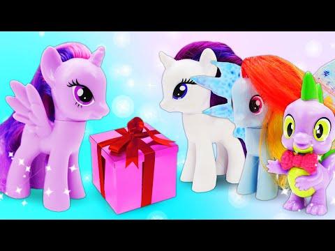 Литл Пони и сюрприз на День рождения Искорки. Мультик из игрушек - Машины сказки для детей