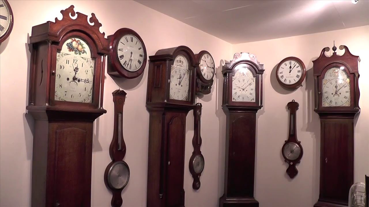 Best vintage wall clocks how to choose the perfect one transitional vanity amipublicfo Choice Image