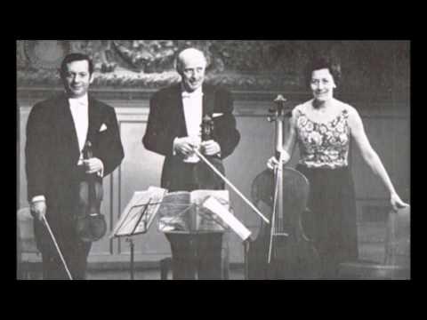 Mozart Divertimento in E Flat, K. 563 Grumiaux Trio