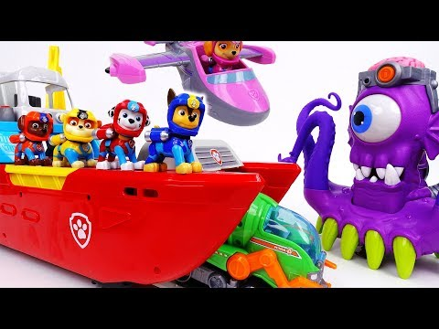 Go Go Paw Patrol Sea Patrol~! Defeat The Shark Pirate - ToyMart TV