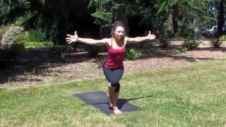 Yoga: Eagle Pose (Garudasana)