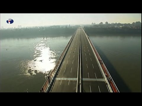 Serbs cut ribbon on Chinese-built bridge over Danube