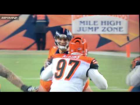Cincinnati Bengals Reggie Nelson lays Out Owen Daniels