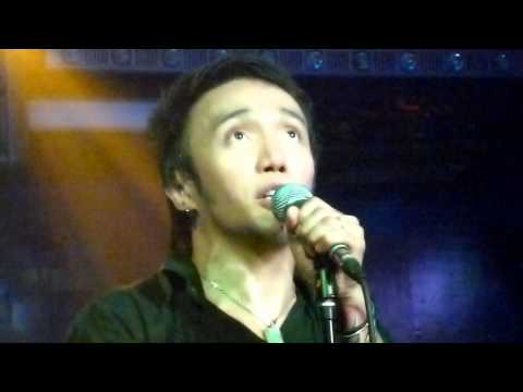 Arnel Pineda - The search is over @ Rockville's Acoustic night, 12-20-11