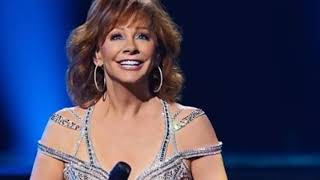 Reba McEntire singed 'The Lord's Prayer' at President George H.W. Bush and left everyone impress
