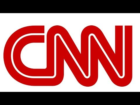 CNN correspondent fights off lizard while on live TV