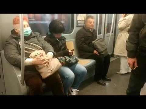 Milano, viaggio in metropolitana con la paura del coronavirus