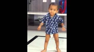 Arya  purnekar rajni fan my child song lungi dance