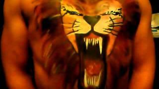 Brullende leeuw bodypaint