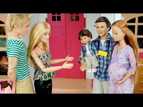 Thumbnail: Pregnant Midge Visits Barbie and Ken in The Dreamhouse - Stories with Dolls - Titi Toys