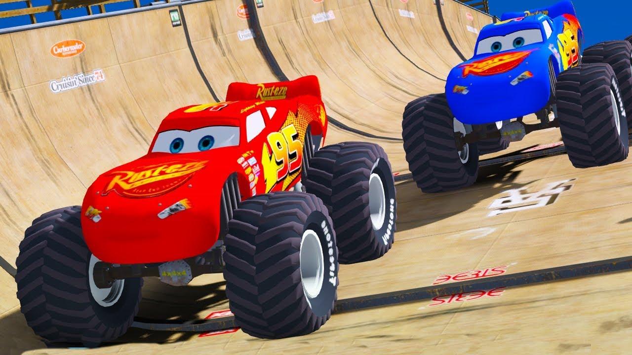 Örümcek Adam ve Renkli Şimşek Mcqueen Arabalar Uçma Parkurunda (Çizgi Film Tadında)