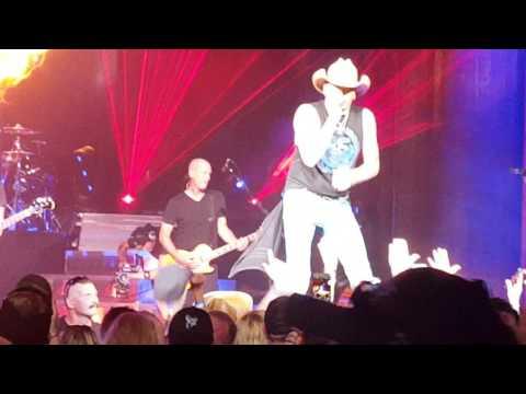 Burnin' It Down - Jason Aldean -Blossom Music Center 9/23/16