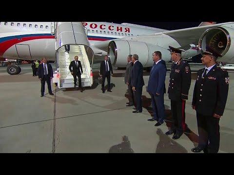 Из Жуковского В.Путин улетел в Саратов, где неделю назад открылся международный аэропорт «Гагарин».