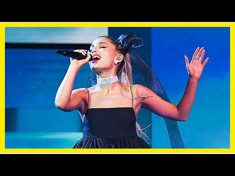 Ariana Grande Lost A $169,000 Diamond Necklace At The Billboard Awards