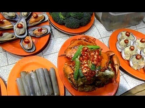 Hong Kong Temple Street Seafood and Night Market (Jordan)