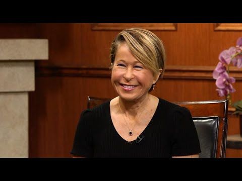 Yeardley Smith on working with Seth MacFarlane  Larry King Now  Ora.TV