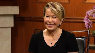 Yeardley Smith on working with Seth MacFarlane | Larry King Now | Ora.TV