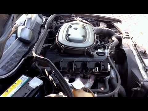 Koude start Mercedes-Benz W201 190E 2.0 M102 1990 van de buitenkant