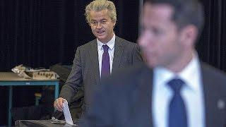 الهولنديون يستفتون حول الشراكة بين الاتحاد الأوروبي وأوكرانيا
