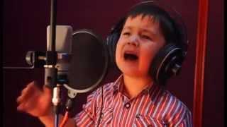 4-летний Узбекский мальчик исполнил хит Далера Назарова (видео)