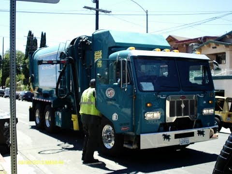Los Angeles Bureau of Sanitation - Peterbilt 320 Amrep ASL (Garbage Trucks)