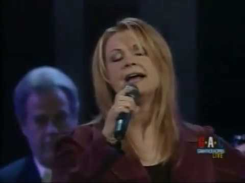 Patty Loveless – Here I Am (Live)