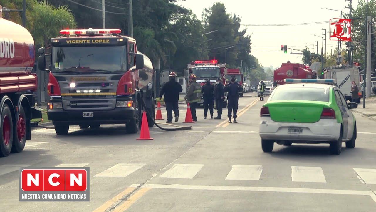 CINCO TV - Bomberos controlaron importante incendio en la fábrica Bimbo de San Fernando