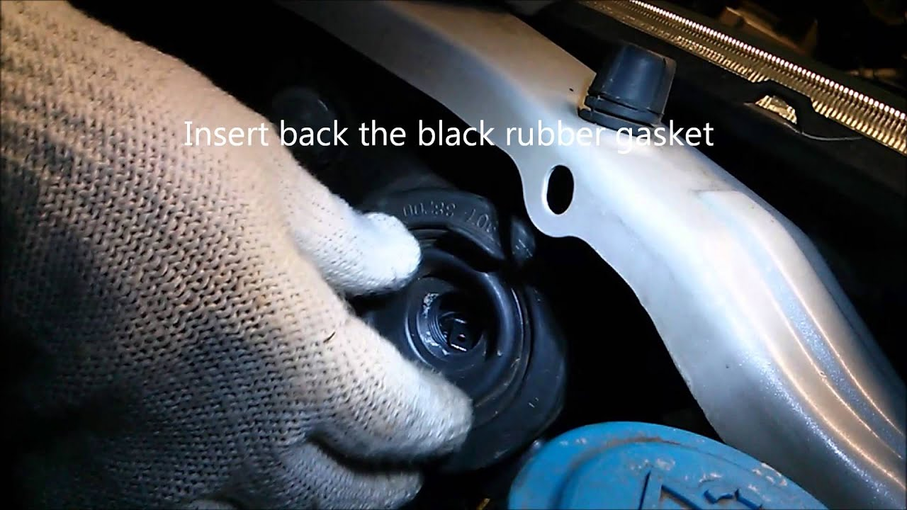 How to replace 2005 Honda Pilot Headlight Bulb - YouTube