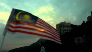 Bendera Malaysia berkibar sambil layan sunset @ The Peak, Hong Kong