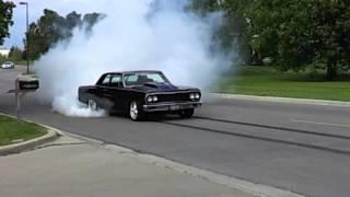 Modern Muscle 1964 Chevelle Burnout!