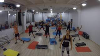 Интервальная тренировка в фитнес-клубе
