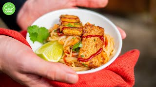 Asiatischer Nudelsalat mit Erdnuss-Sauce