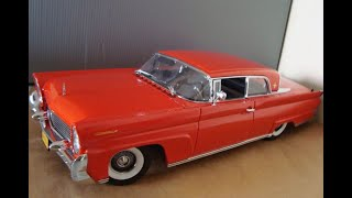 Lincoln Continental Mark III 1958, escala 1:18, Sunstar Platinum