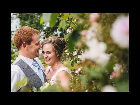 Bredenbury Court Barns wedding