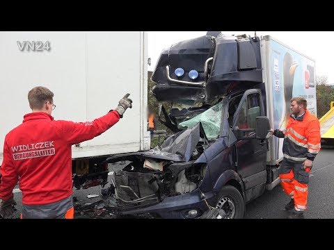 03.12.2019 - VN24 - Kleintransporter Prallt Gegen Sattelzug Auf A1 Bei Schwerte
