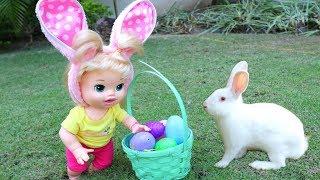 La muñeca Baby Alive Sara buscando muchos Huevitos de Pascua con un Conejito de verdad!!! TotoyKids thumbnail