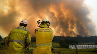 Australie: des milliers de pompiers mobilisés, les incendies se rapprochent de Sydney