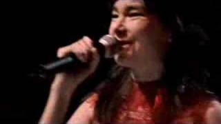 Björk - Isobel (LIVE @ ROYAL OPERA HOUSE)