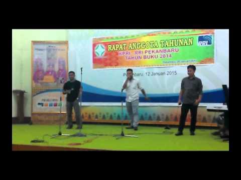 Lagu Batak - TRIO ANDALIMAN - Di Parhusor Ni Kapali
