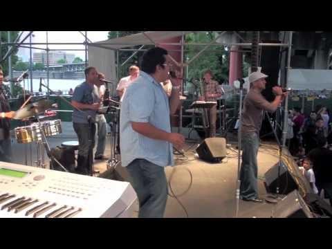 Fuego A La Jicotea - CAMBALACHE (Salsa En La Calle 2010)