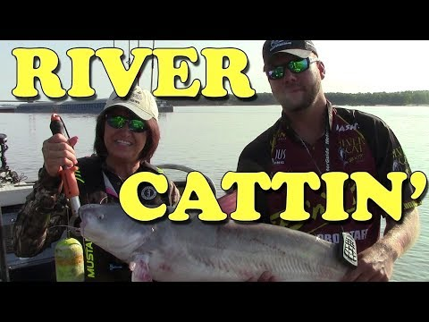 Bumping for Big Catfish on the Mississippi River
