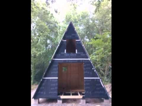 montage d 39 un chalet atypique en bois en kit tipis bois youtube. Black Bedroom Furniture Sets. Home Design Ideas