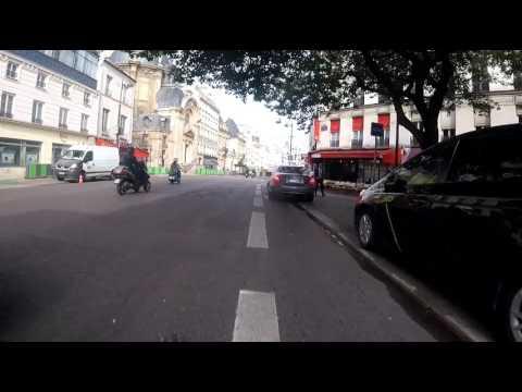 Retour sur la rue de Rivoli...