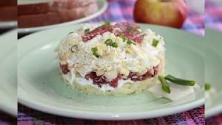 Салат с копченой колбасой, яблоком и луком   school culinary ru