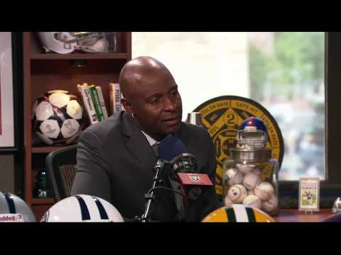 Jerry Rice on his old gloves and adhesive (9/17/15)