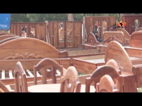 Le360.ma • Vente de meubles fabriqués par des artisans à Bamako