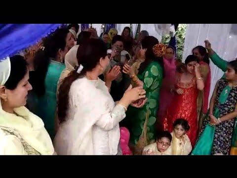 Top Kashmiri Hit Songs In One Track By Zahida Taranum At Srinagar | Kashmiri Marriage Dance