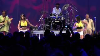Dunia Tuna Pita (my favorite song!!) from Samba Mapangala and Orchestra Virunga..in New York!